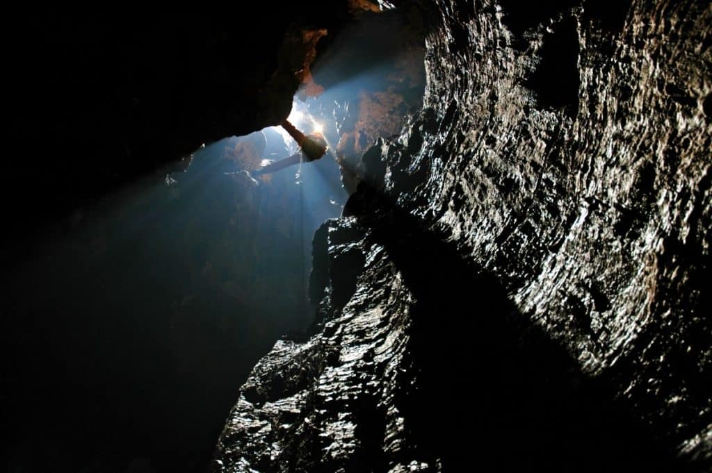 deep-cave-rope